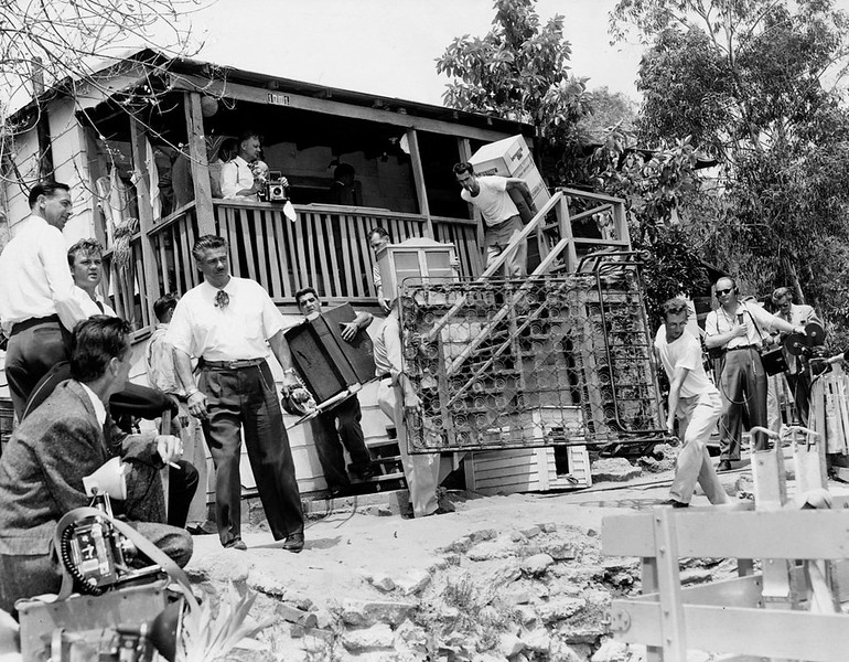 1959, Moving Evicted Families' Possessions