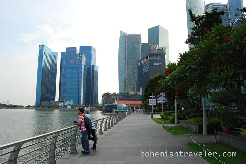 Singapore walk.jpg