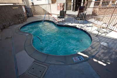 Pointe Jacuzzi with BBQ patio