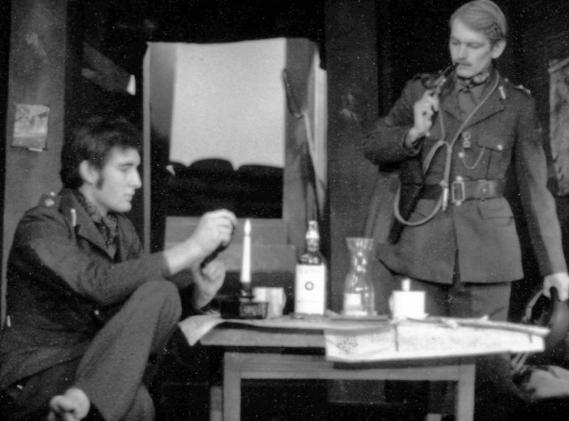 Journey's End 1975 - Nick Williams and John Thewlis.jpg