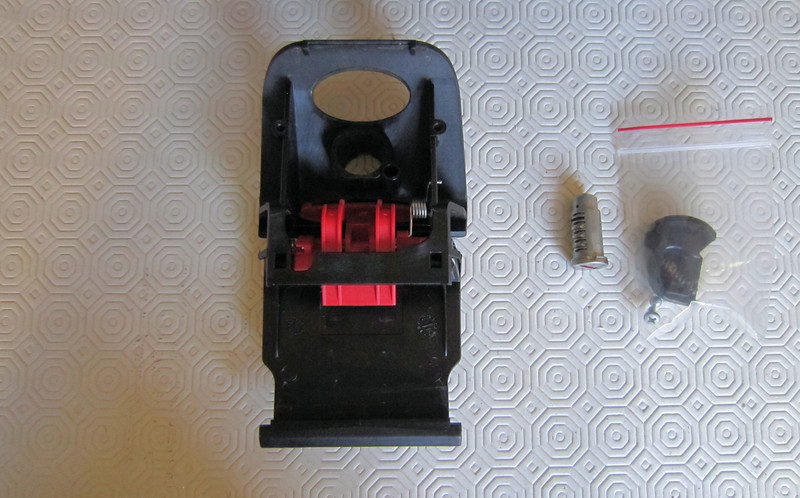 3/8: Latch and lock fitting kit - Ducati (Givi) Top Case (Top Box / Topcase / Topbox) for the Multistrada 1200 See here for installation instructions (inc fitting the lock barrel): Multistrada 1200 Downloads - Misc Instructions & Other Documents