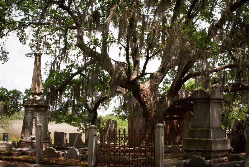Charleston 201304 Magnolia Cemetery (13).jpg