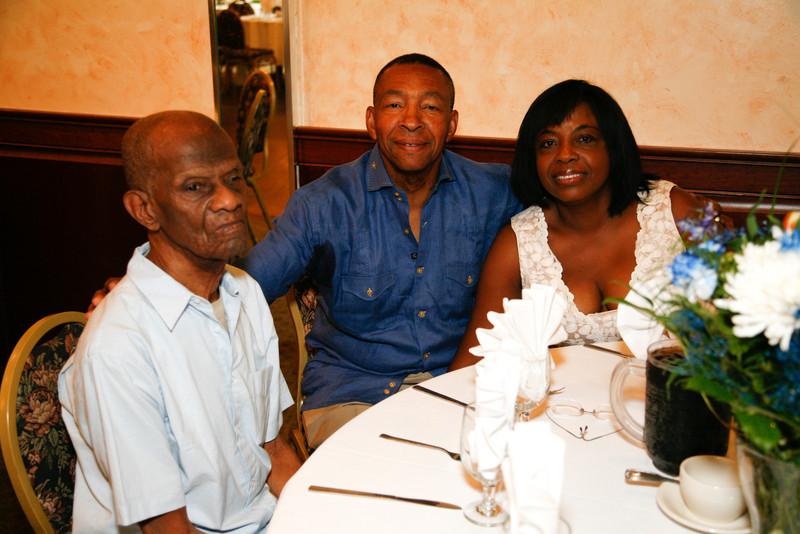 Edouard Family Reunion-3350.jpg