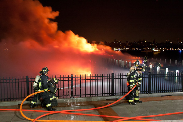Edgewater NJ 2nd Alm, Main St at the Hudson River. 06-24-14