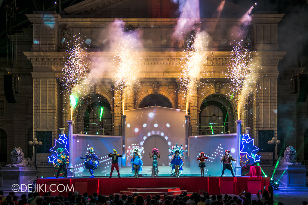 Universal Studios Singapore - A Universal Christmas event 2017 / Search for A Christmas Star show - Pyro Burst