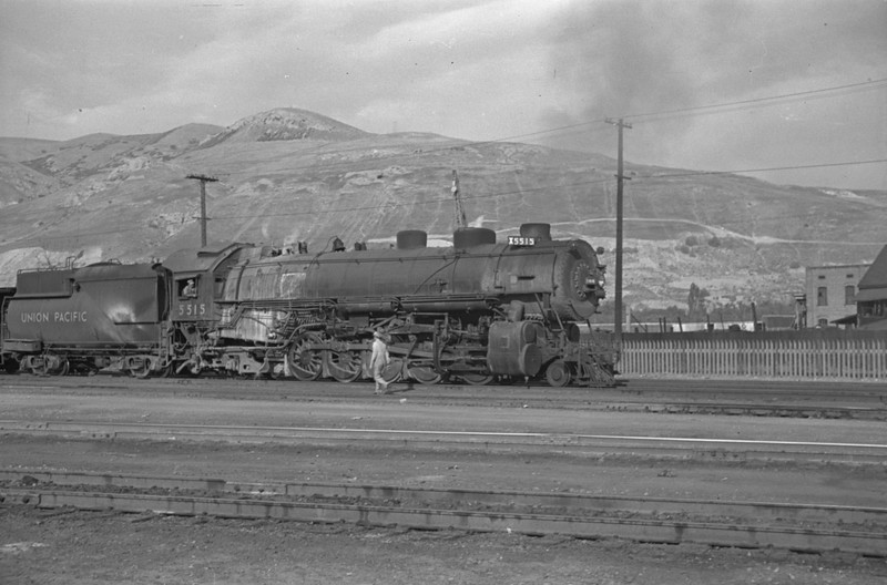 UP_2-10-2_5515-with-train_Salt-Lake-City_Oct-5-1947_001_Emil-Albrecht-photo-230-rescan.jpg