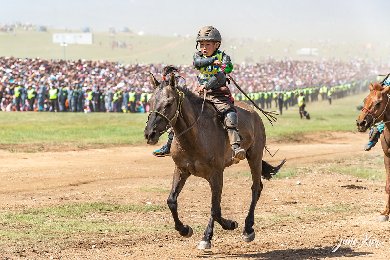 Horse racing__6109033-Juno Kim.jpg