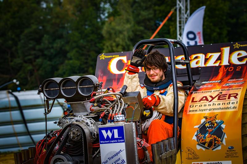 Tractor Pulling 2015-02282.jpg