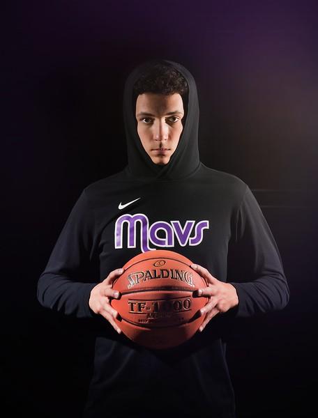 Senior-basketball-sports-photography-Eastern-Iowa-Marion-Cedar-Rapids-100.jpg