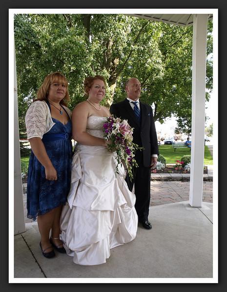 Bridal Party Family Shots at Stayner Gazebo 2009 08-29 047 .jpg