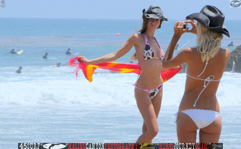 leo carillos surf's up beautiful swimsuit model 45surf 1571,best.book...