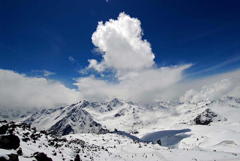 080501 1345 Russia - Mount Elbruce - Day 1 hiking up to Refuge No 11 _E _I ~E ~L.JPG