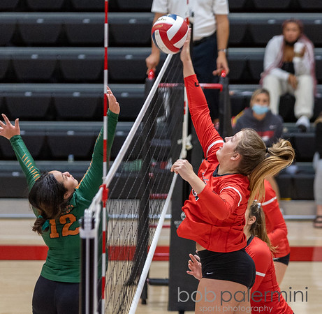 SOU Volleyball 10-8-21