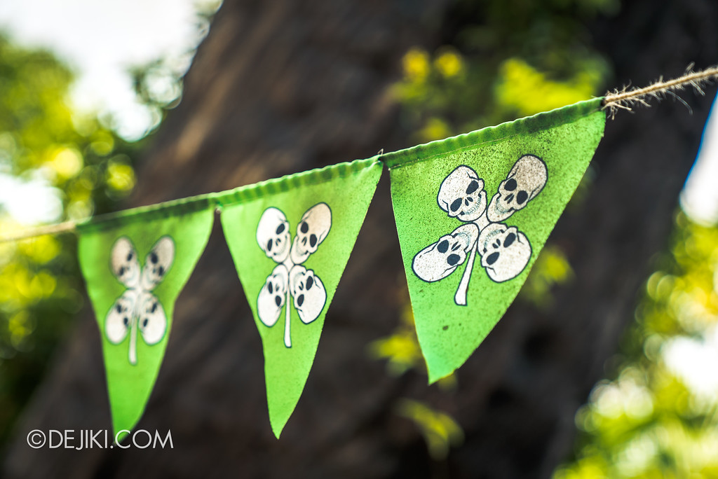 Halloween Horror Nights 7 Before Dark 2 Preview Update / Happy Horror Days scare zone - St. Patrick's Evil Day buntings