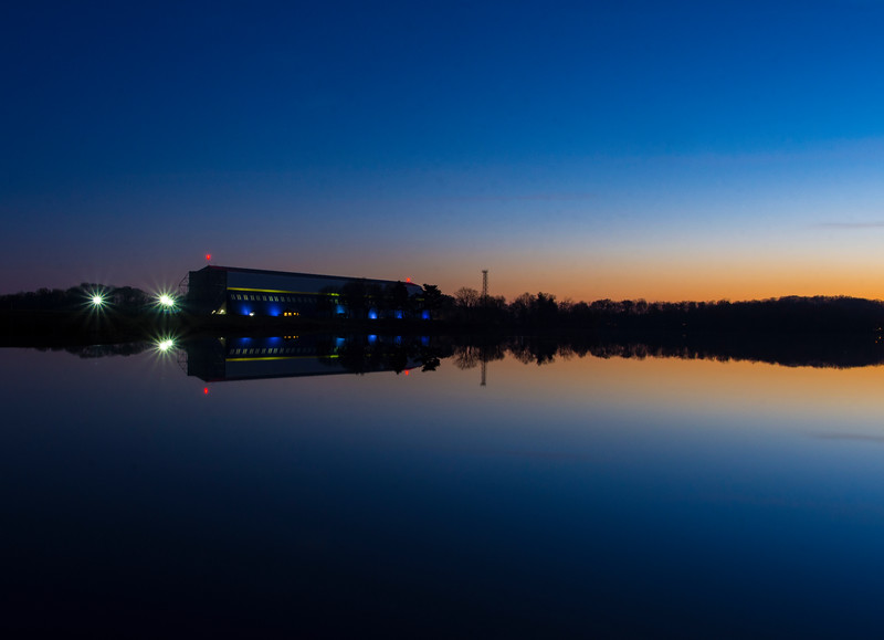 GoodYear-Bimp-Hanger-reflectionWingFootLake-Dec3.jpg