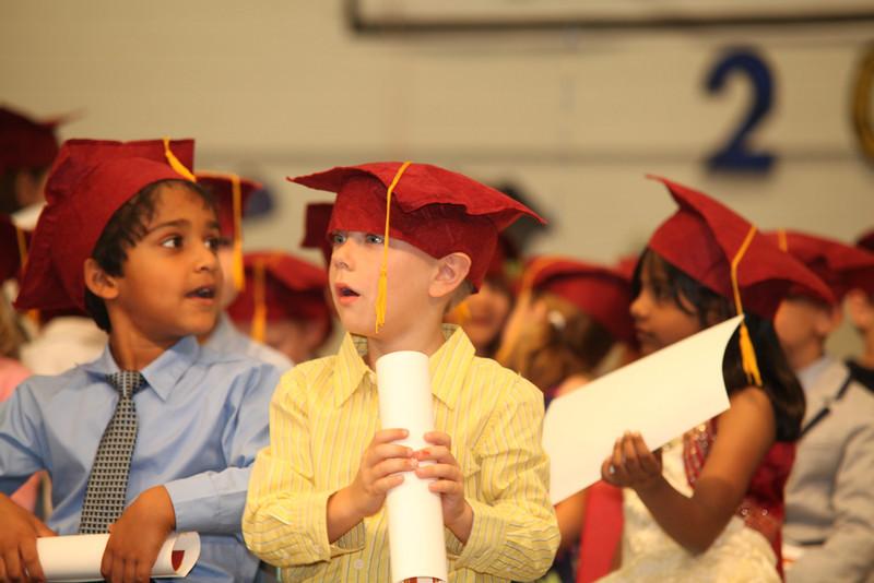 2012May18_MTA Kinder Grad_9726.JPG