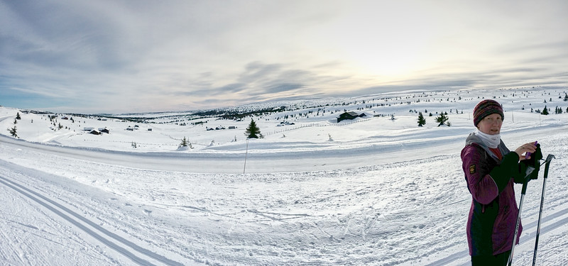 Jane skiing on the Hafjell plateau