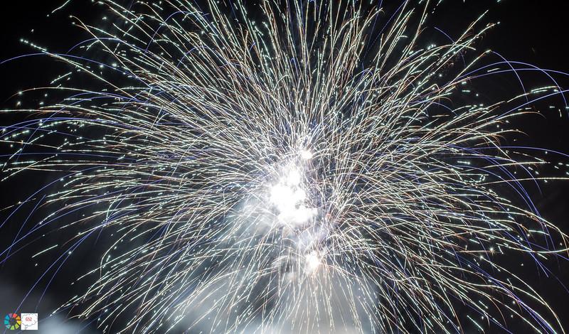 G52GamesleyFireworks-Nov18 (26 of 54).jpg