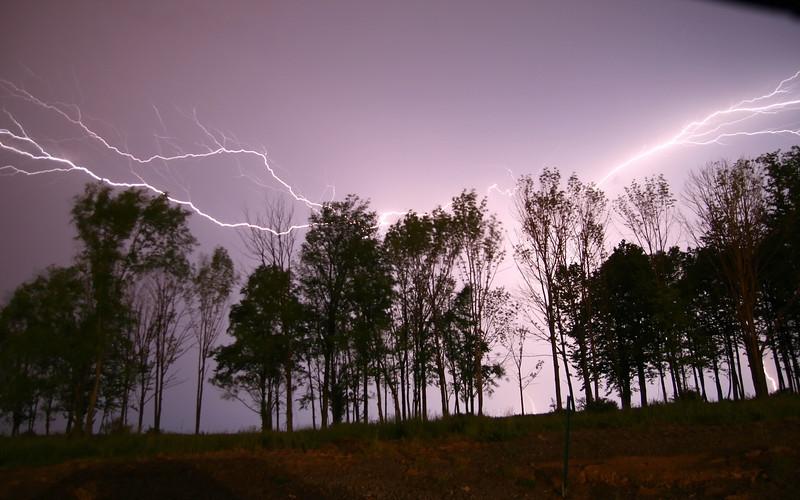 storm_03_16x10_06062008.jpg