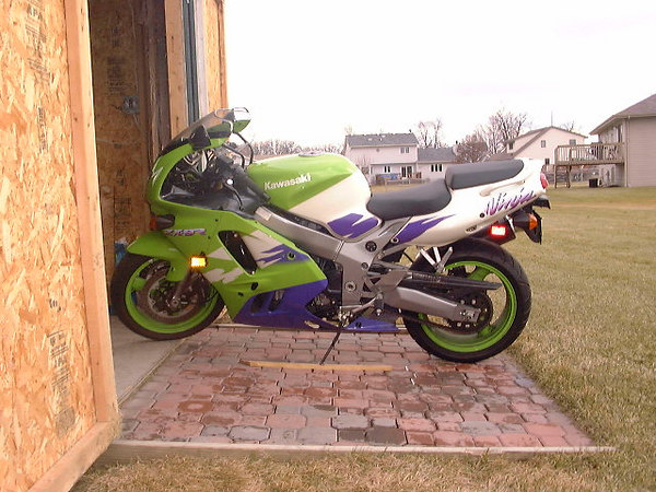 My first bike 97 ZX9r - hah that paint job was sooo cool!