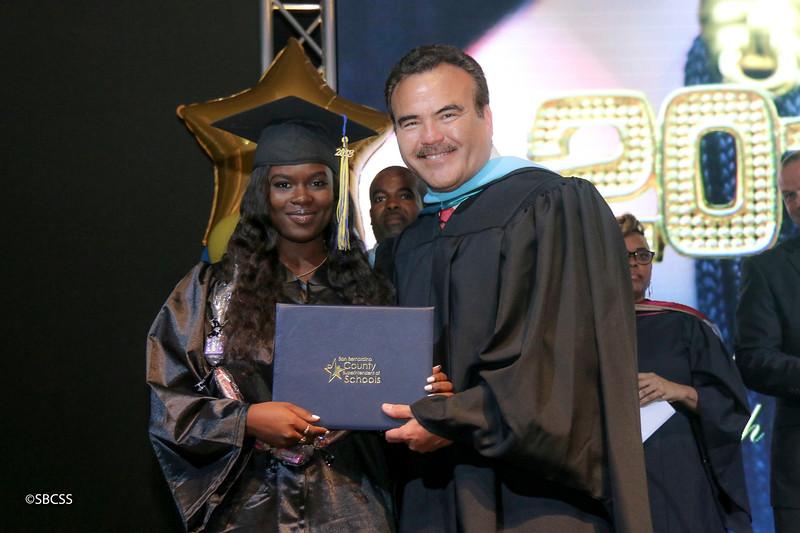 20180615_StudentServGrad-diplomas-11.jpg