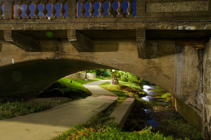 Bridge-ArchUndrNite-jpgDowngtwn_1832.jpg