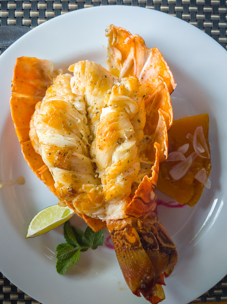 trinidad la marinera restaurant lobster.jpg