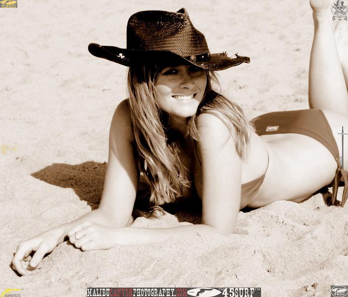 santa_monica_swimsuit_bikini_model 747..00..00...