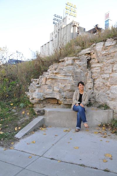 2014-10-25 Stone Arch Bridge 020.JPG