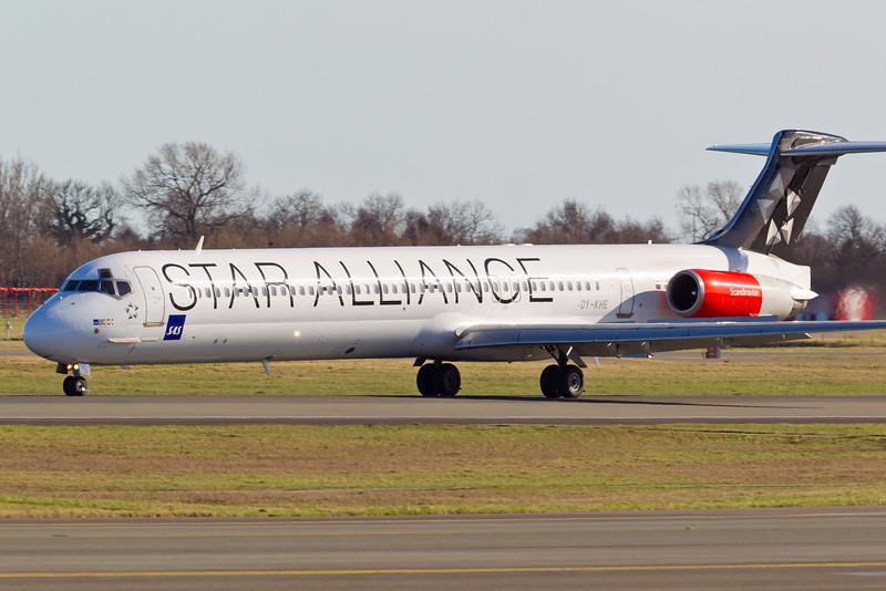 OY-KHE-MD-82-SAS-CPH-EKCH-2011-04-09-_O7F6735-DanishAviationPhoto.jpg