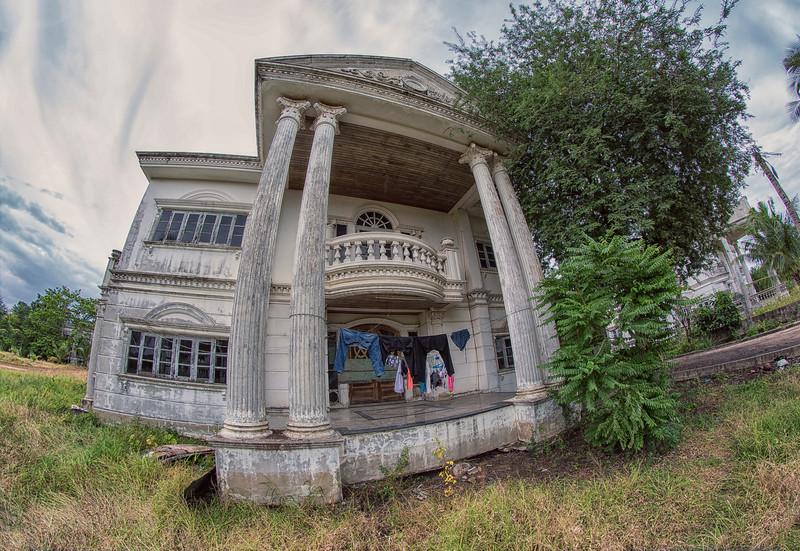AbandonedMansdw02.jpg