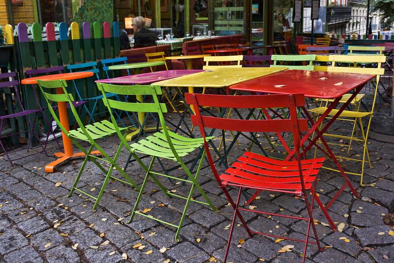 Paris colorful tables 015.jpg