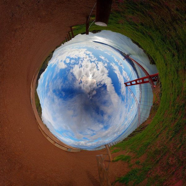 Golden Gate panorama wormhole 1.jpg