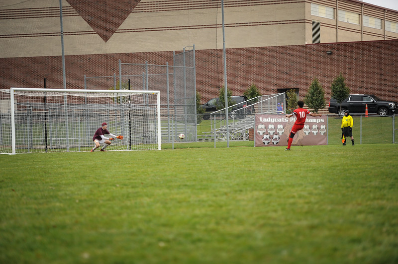 10-27-18 Bluffton HS Boys Soccer vs Kalida - Districts Final-380.jpg