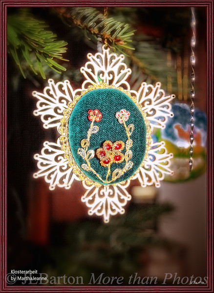 Klosterarbeit Hand made bead and wire ornament