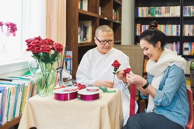 Rose Making by Mae Noi - P'Vanda