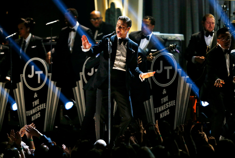 Description of . Justin Timberlake performs at the 55th annual Grammy Awards in Los Angeles, California, February 10, 2013.  REUTERS/Mike Blake