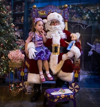 Kids get photo with Santa Claus