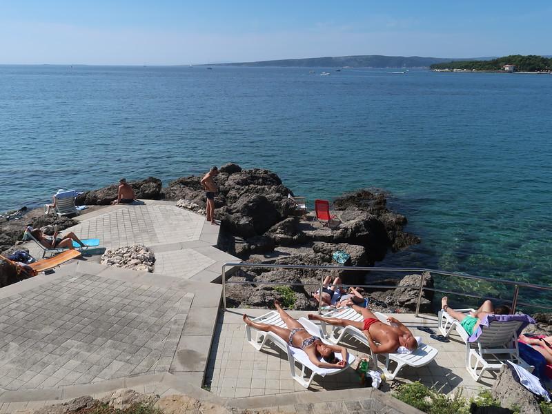 IMG_0987-sun-bathers.JPG