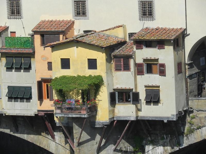 Ponte Vecchio from Uffizi 3.jpg