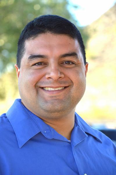 Luis Narvais 10-4-2013 8-46-15 PM.JPG