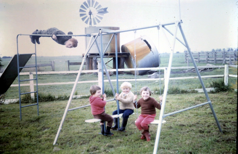1968-6-13 (15) David 4 yrs 6 mths, Robyn 2 yrs 2 mths, Susan 2 yrs 11 mhs, Kim 4 yrs 10 myhs.JPG