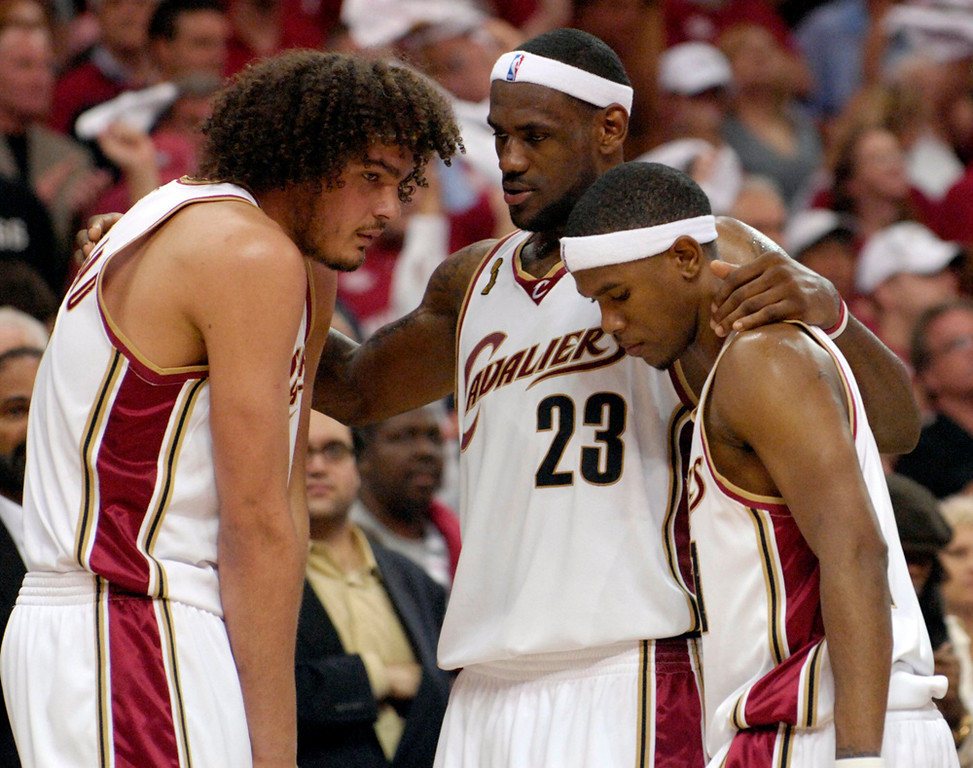 . Lebron James tries to pump his his teammates Anderson Varejao and Daniel Gibson in the fourth quarter of Game 4 of the NBA finals against the Spurs on June 14, 2007.