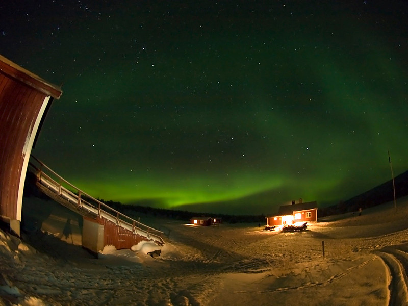 Clear skies again on third night at base camp as the aurora came out to play again. Olympus E3, 8mm fisheye
