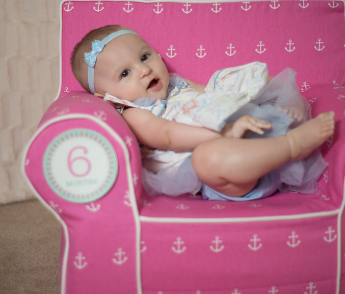 Ava 6 months-15.jpg