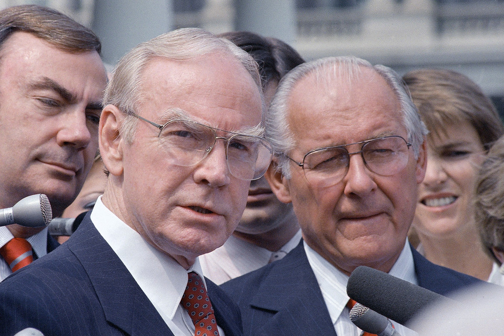 . In this Aug. 5, 1987 file photo, then-House Speaker Jim Wright of Texas, left, and then-House Minority Leader Robert Michel of Ill. speak to reporters outside the White House in Washington. Wright, a veteran Texas congressman who was the first House speaker in history to driven out of office in midterm, has died. He was 92.  (AP Photo/Barry Thumma, File)