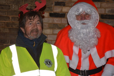 2017 Santa Sleigh Combs Light Up and the Hi Vis Army