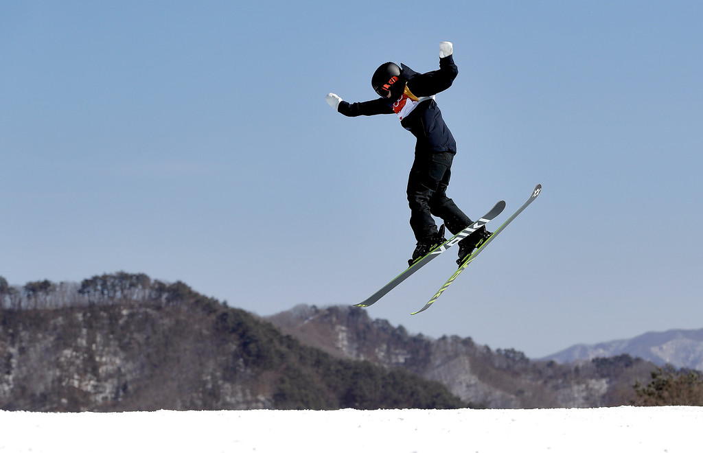 . Jennie-Lee Burmansson, of Sweden, jumps during the women\'s slopestyle finals at Phoenix Snow Park at the 2018 Winter Olympics in Pyeongchang, South Korea, Saturday, Feb. 17, 2018. (AP Photo/Kin Cheung)