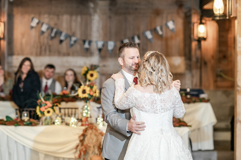 Emily_Darin_Wedding_October_12_2018_Ashley_Farm_Yorkville_Illinois-294.jpg