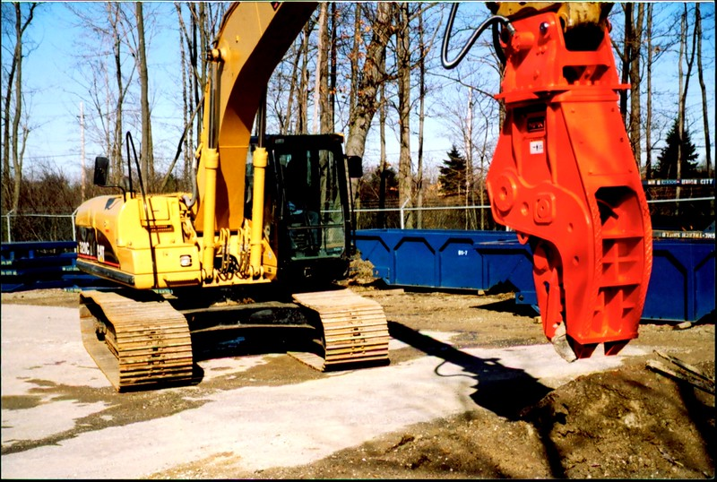 NPK U21J concrete pulverizer on Cat excavator at Carr Bros (14).JPG